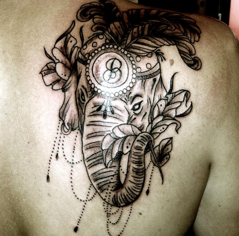 tattoo mandala élephant